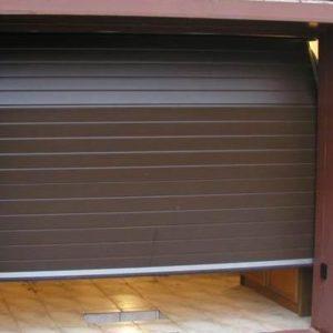 Гаражные секционные ворота с пружинами растяжения(DoorHan, Ryterna) RSD01